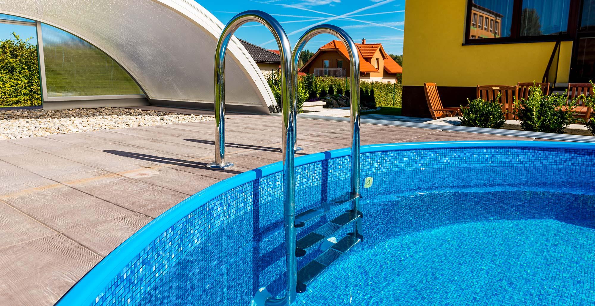 Bazénové schůdky